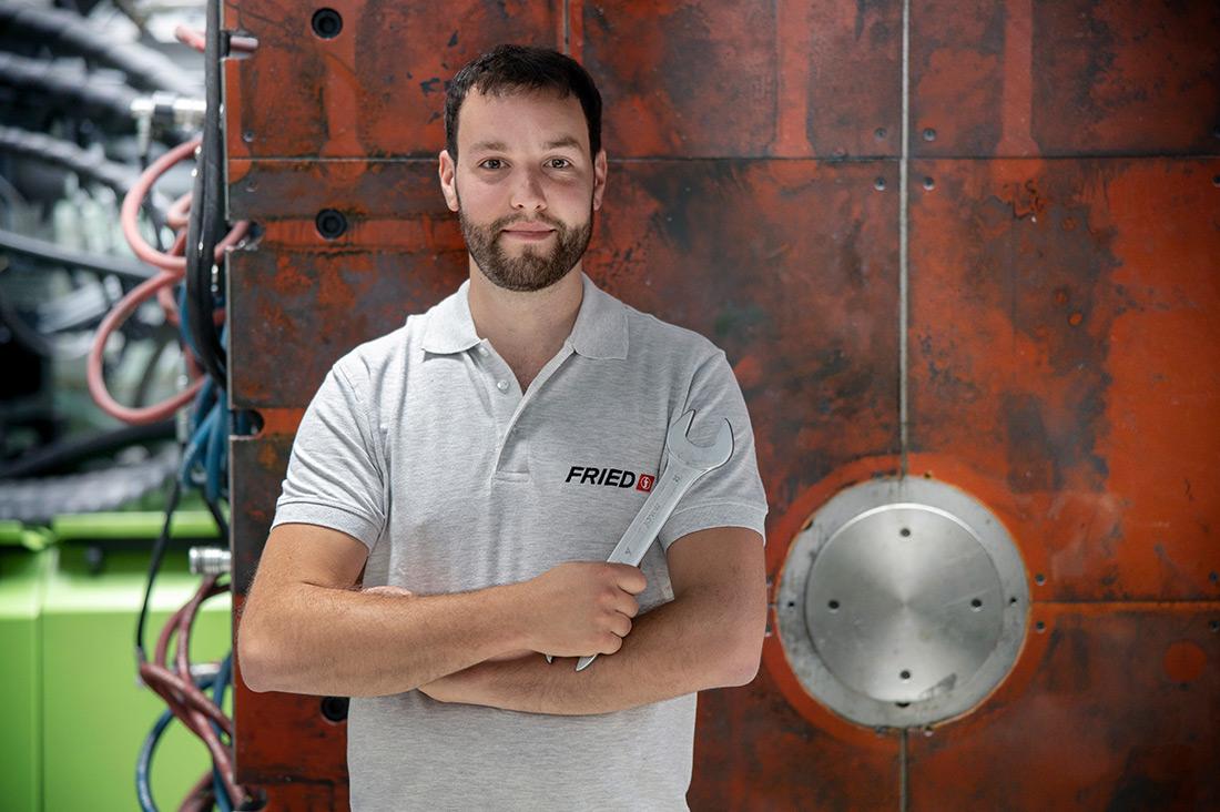 Bei Fried Kunststofftechnik eine Ausbildung zum Werkzeugmechaniker absolvieren.