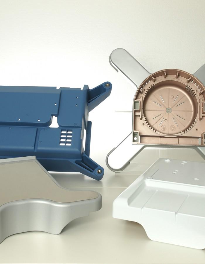 Fried Kunststofftechnik fertigt eine stabile und komplex geformte Basis für OP-Tische, Herz-Lungen-Maschinen oder mobile Röntgengeräte.