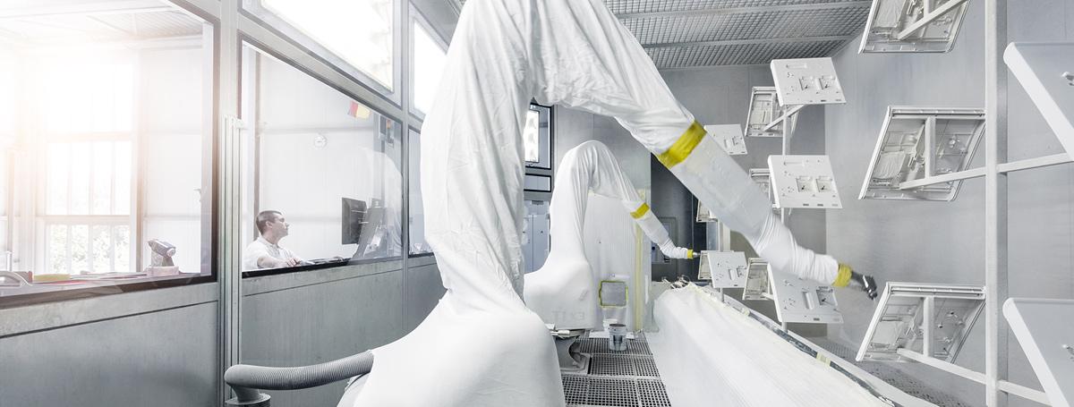 Roboterlackierung für Medizintechnik und Analysegeräte